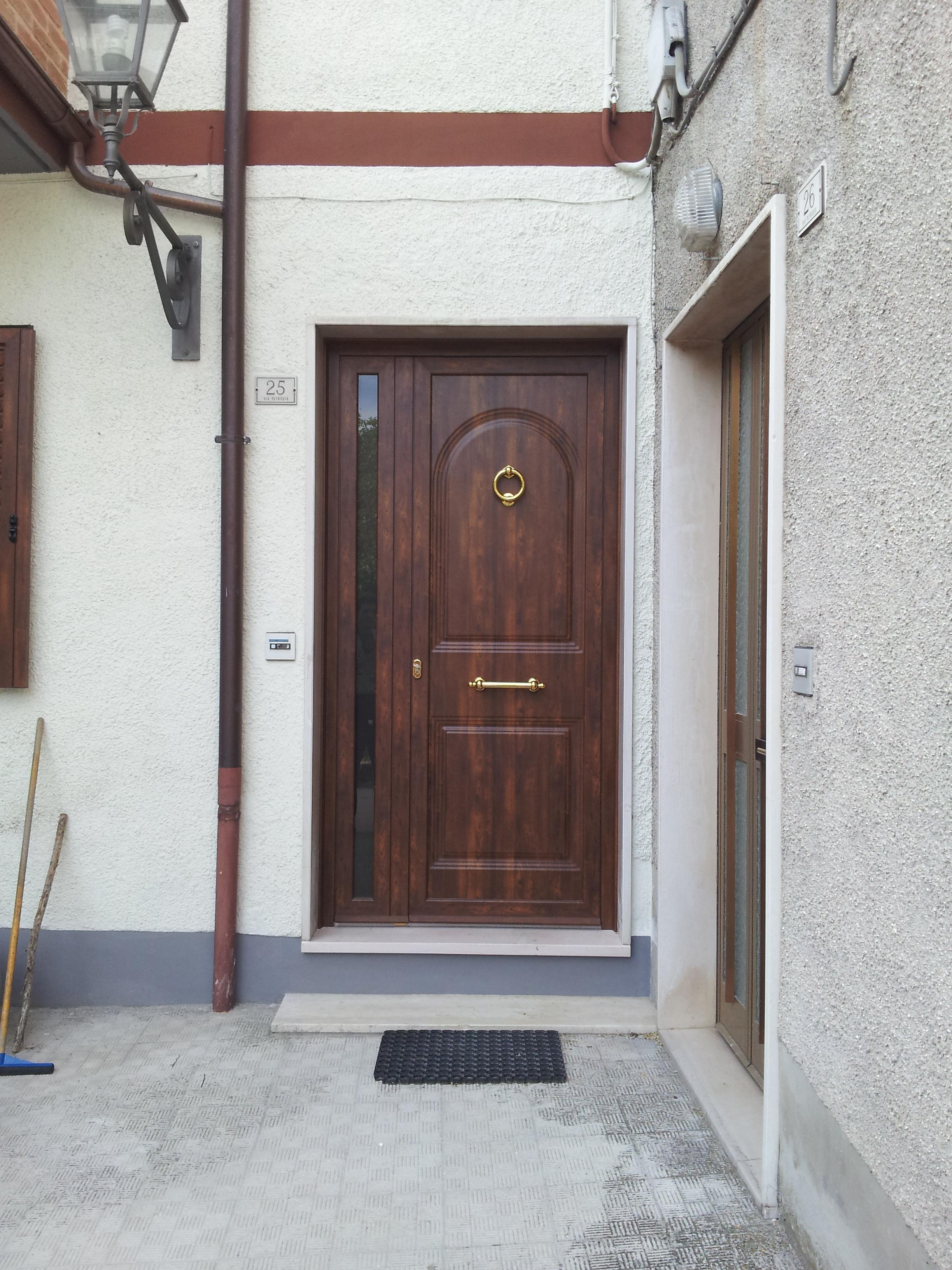 Portoncini e porte d 39 ingresso ducci infissi - Portoni ingresso blindati ...